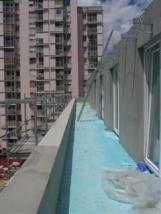 Balkon z masivno ograjo, toplotna izolacija balkona