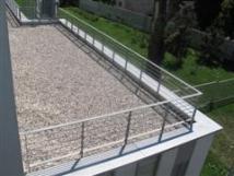Hidroizolacija ravne strehe zaščitena s prodcem